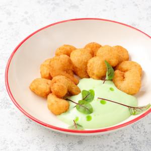 Креветки темпура с соусом из сладкого васаби