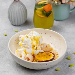 Крио десерт из личи и мороженное манго маракуя